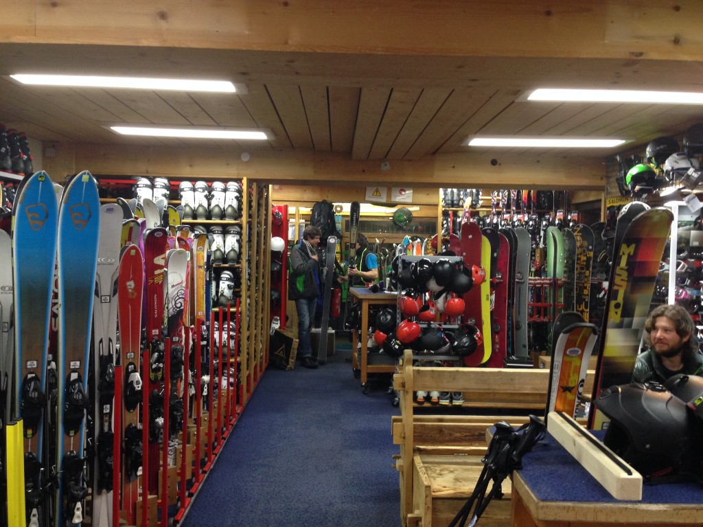 Ravenal Ski Shop near Flegere