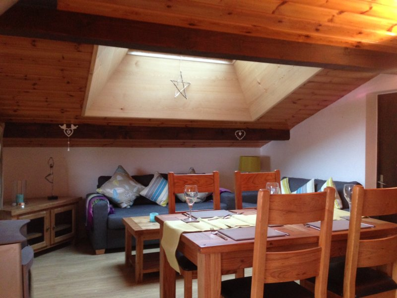 chamonix-mont-blanc-retreat-dinning-area-1