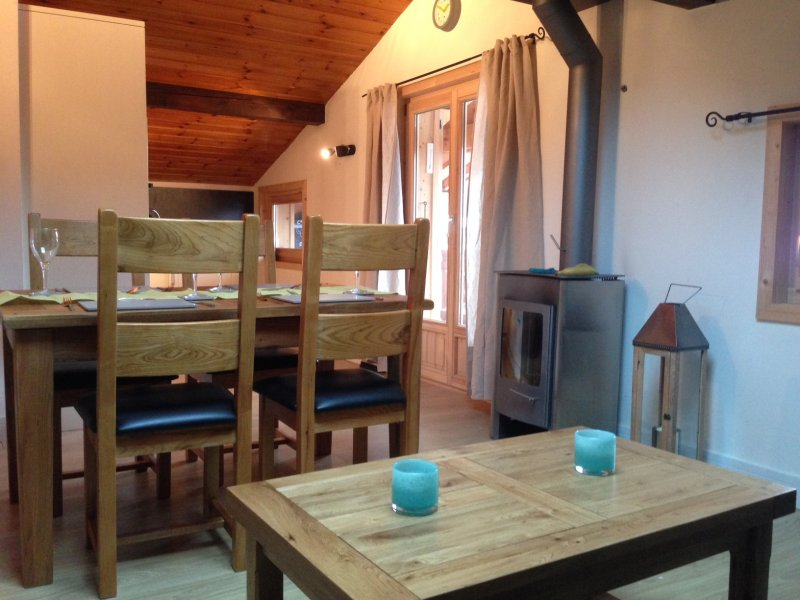 chamonix-mont-blanc-retreat-dinning-area